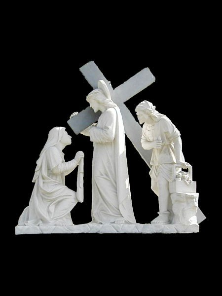 Veronica wipes the face of Jesus - Sixth Station of the Cross Stone Statue DSF-C101