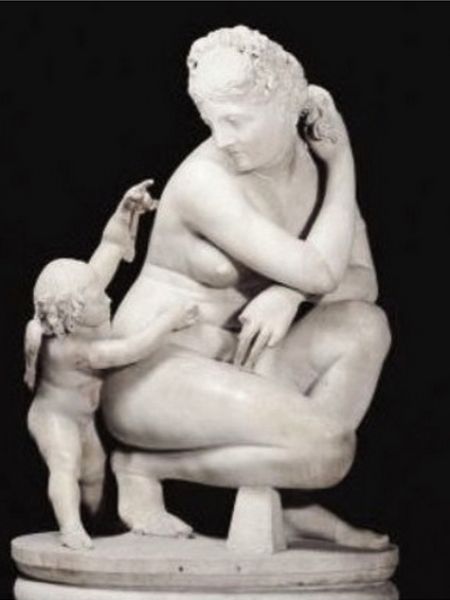 Crouching Venus with Cupid Natural Marble Statue